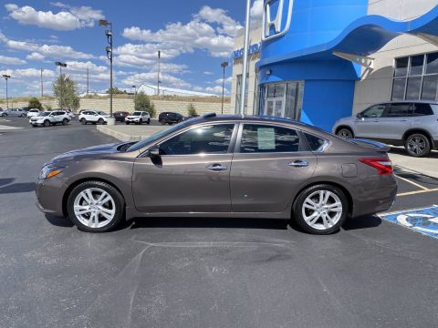 Pre-Owned 2016 Nissan Altima 3.5 SL FWD 4dr Car